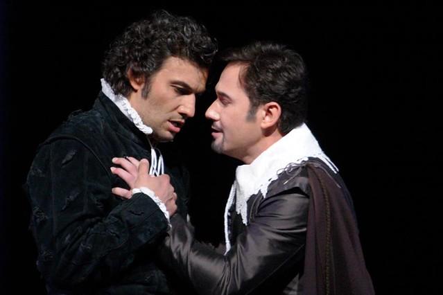Jonas Kaufmann and Mariusz Kweicien in Don Carlo © ROH/Catherine Ashmore, 2013