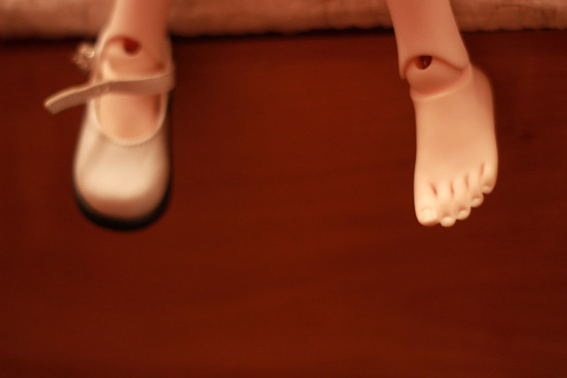 feet toes3