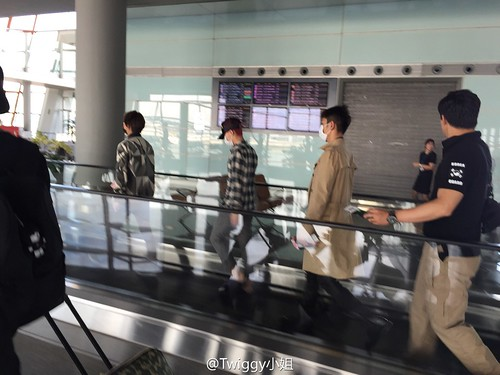 Big Bang - Beijing Airport - 07jun2015 - jojokillbill - 01