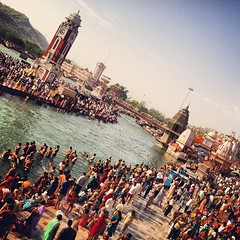 The flood of humanity--on the banks of holy Ganga..@ har ki paudi #haridwar #india  #travel #lastJourney