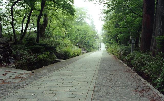 下山~長長斜坡道
