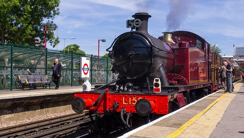 Prairie Tank 5521 at Amersham for Steam Back On The Met