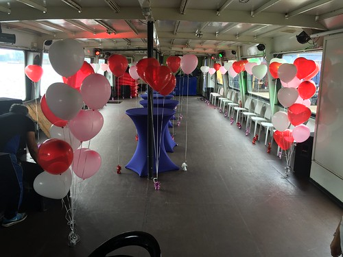 Heliumballonnen Hartballonnen aan Ballongewicht Personeelsfeest Marktplaats Boot10 Zaandam