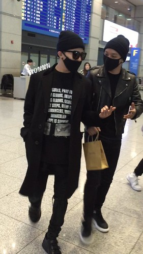 Big Bang - Incheon Airport - 10apr2015 - Fionnn_xxi - 01