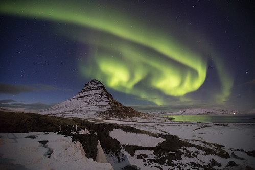 snow west night iceland atmosphere fluorescent aurora flare kirkjufell northernlights auroraborealis snaefellsness grundarfjörður fishingindustry