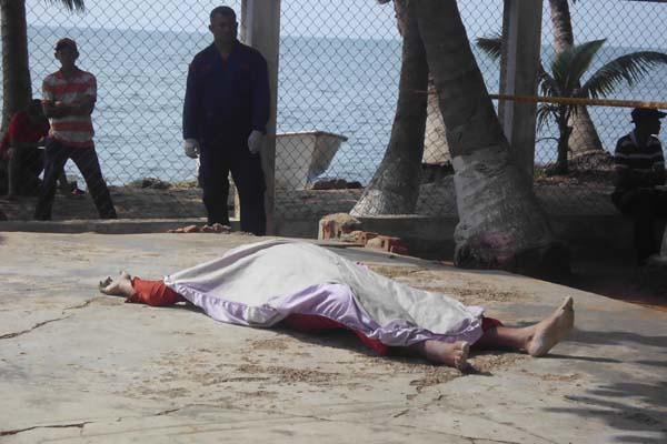 pescador muerto en la cañada-interna