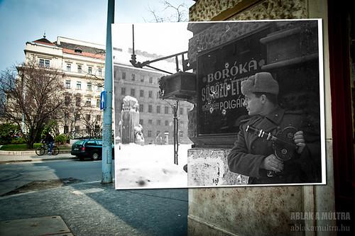 Budapest, V. Vértanúk tere a Nádor utcából nézve, szemben a Földművelésügyi Minisztérium épülete, középen a Nemzeti vértanúk emlékműve fortepan_32050