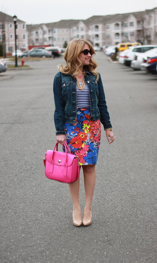 floral pencil skirt and striped tee outfit