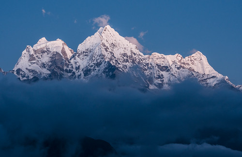 nepal mountains trekking dusk ngc monastery himalaya gompa thame