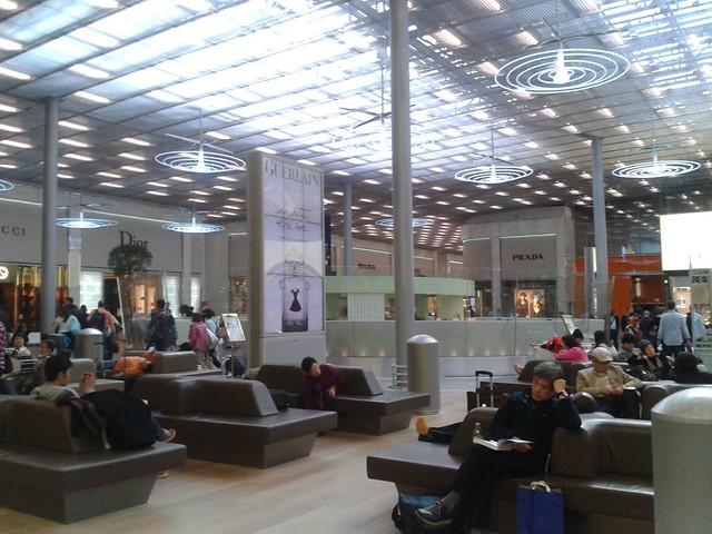 0002 - En el aeropuerto CDG