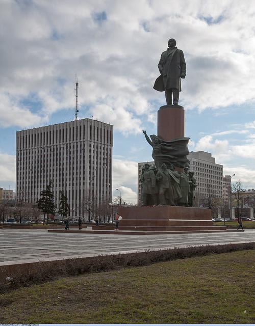 Октябрьская (Калужская) площадь