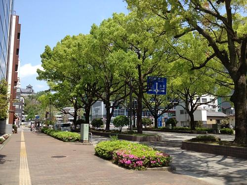 抜群にいい天気、週末の高知市 by haruhiko_iyota