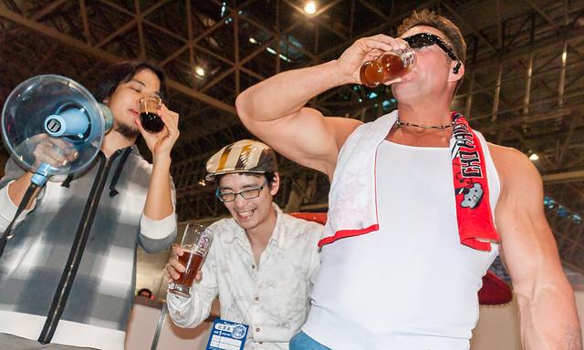 Billy Herrington (Aniki!), ZUN and Hiroyuki Drink beer in Nikoniko Tyou kaigi 2!
