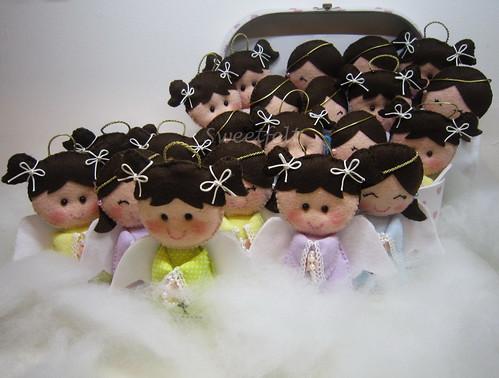 ♥♥♥ Muitas anjinhas para os convidados da 1a Comunhao da Leticia... by sweetfelt \ ideias em feltro