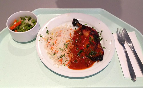 Hähnchenkeule in Paprikasauce / Chicken leg in bell pepper sauce