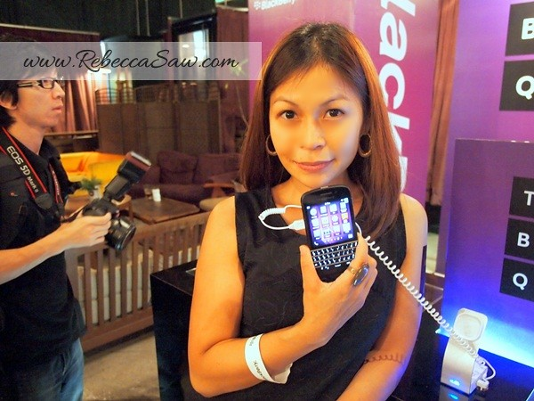 BB Q10 launch - price RM2388-006