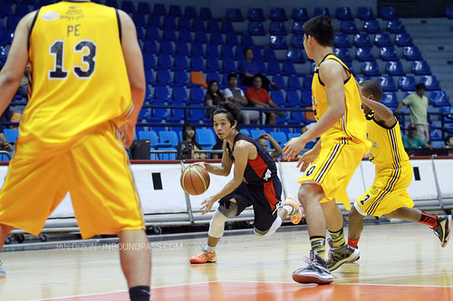 FilOil 2013: UST Growling Tigers vs. Letran Knights, May 11