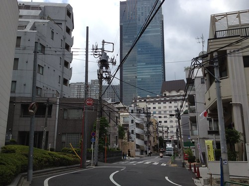 赤坂サカスから東京ミッドタウンへ歩く by haruhiko_iyota