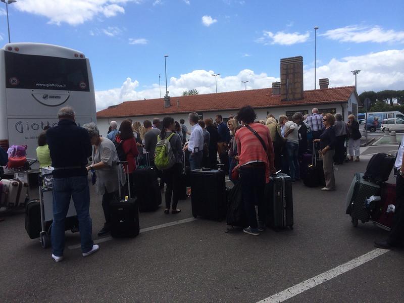 ペレトラ空港バス