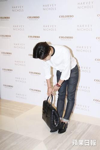 G-Dragon_HarveyNichols-COLOMBO_VIA_DELLA_SPIGA-HongKong-20140806 (13)