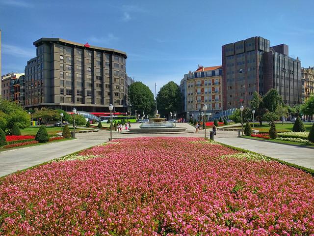 Moyua Plaza