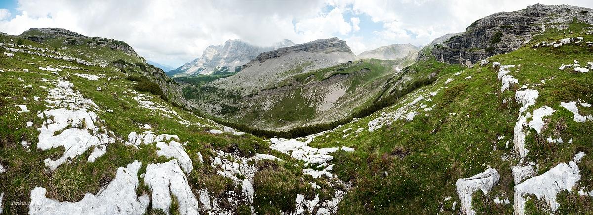 Tuenno, Trentino, Trentino-Alto Adige, Italy, 0.003 sec (1/400), f/8.0, 2016:07:01 10:58:55+03:30, 20 mm, 10.0-20.0 mm f/4.0-5.6