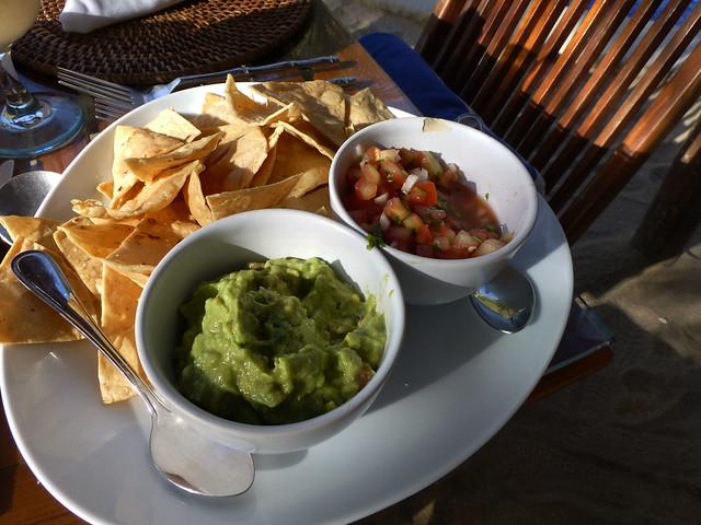 guacamole and chips at playa escondida