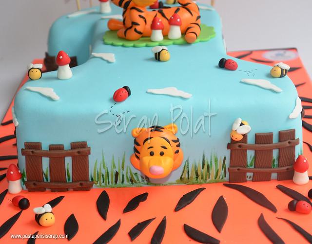 tiger 1 yaş pastası