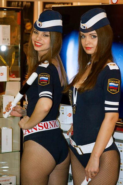 Фото голых девушек в форме российской полиции 40788 фотография