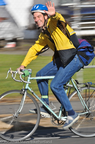 People on Bikes N Vancouver Ave-50-31