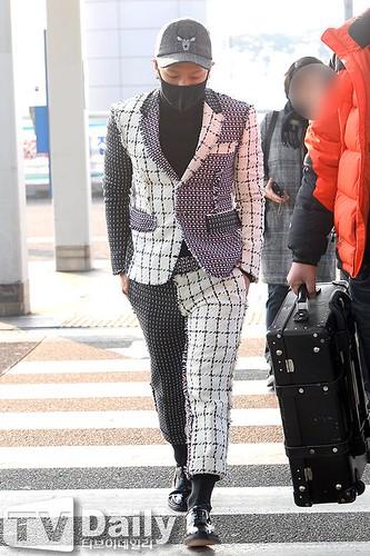 Tae Yang - Incheon Airport - 09jan2015 - TV Daily - 07