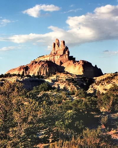 sky usa cloud newmexico nature rock landscape 1997 geology churchrock eos650 navajonation mckinleycounty edk7 neargallup