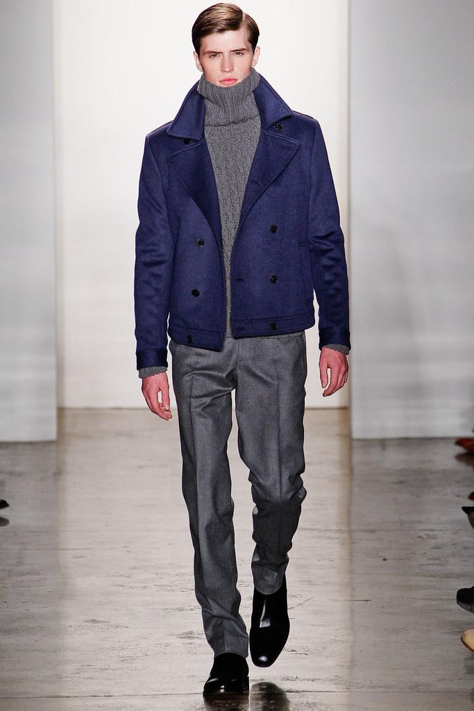 Taylor Cowan3016_FW12 NY Simon Spurr(Homme Model)