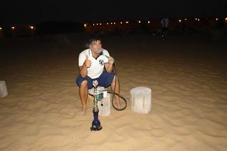 Fumando cachimba en el desierto Dubai, imprescindible safari en 4x4 - 8627461171 278efa1fdf n - Dubai, imprescindible safari en 4×4