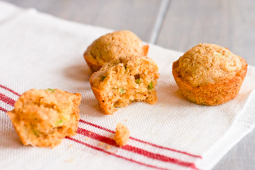 Cheddar Scallion Corn Muffins