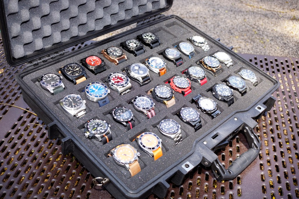watch Huge collection