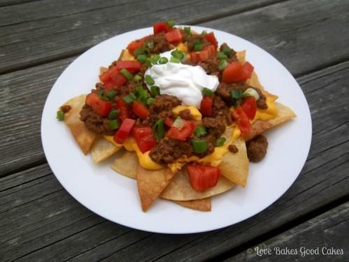 beef and bean nachos