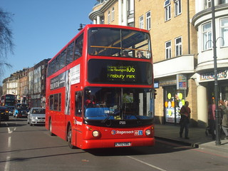 Stagecoach 17555 on Route 106, Stoke Newington