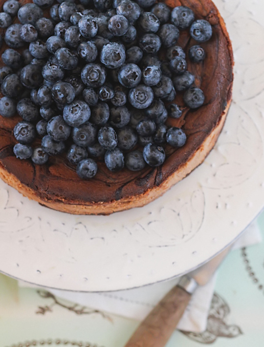 Caramelised White Chocolate Cheesecake with Blueberries