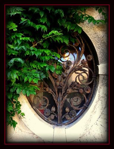 italy castle window italia finestra castello oval trieste duino friuliveneziagiulia ovale photographyforrecreationclassic