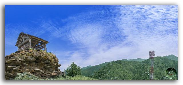 Glorious panorama of Janjheli valley!