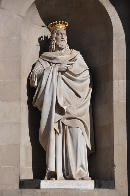 Barcelona (Plaça de Sant Jaume) City Hall. Neoclassical facade. Statue of King James I the Conqueror. 1841-1844. Josep Bover, sculptor