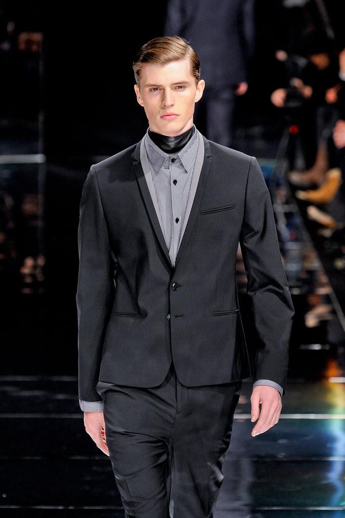 Taylor Cowan3009_4_FW12 Paris Bill Tornade(fashionising.com)