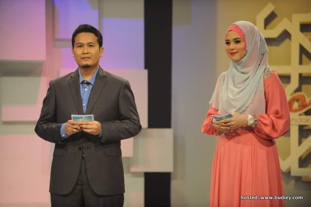Mohd Zhafran Mohd Zainuldin bersama Nurul Syuhada Nurul Ain Mohd Zin, hos untuk kemuncak program Da'i