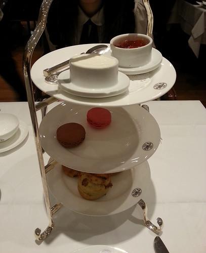 沒叫 afternoon tea set 但也有三層架!