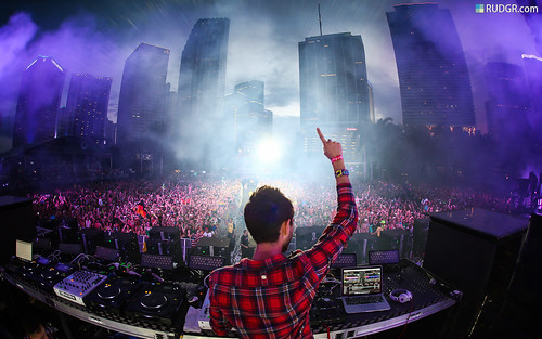 Ultra Music Festival 2013 Wallpaper (16:10) - Zedd