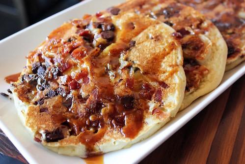 Bacon-banana-chocolate chip flapjacks with caramel syrup