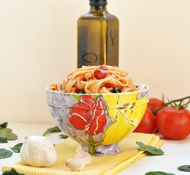 Fettuccine with Garlic and Tomatoes
