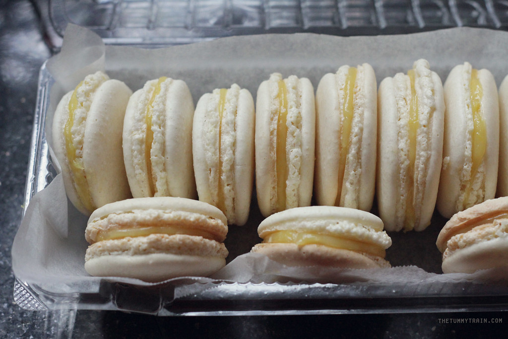 8694584814 16d4e792ac b - A semblance of Lemon Macarons + I need a new oven