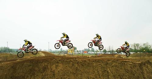 Multi jump.. by Claudio61 una foto ferma un ricordo nel tempo
